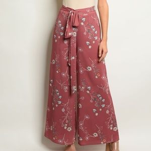 🆕 Mauve Floral Wide Leg Pants